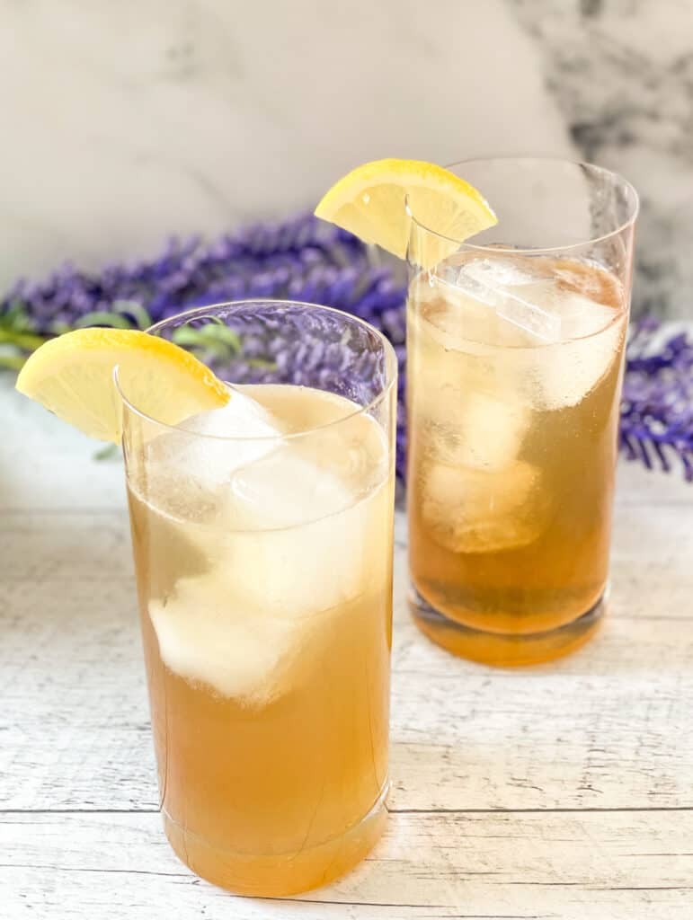 Two glasses of Angelique Iced Tea, made with the tea liqueur Angelique from Les Subversifsé