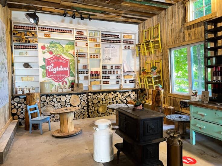 Intérieur de la boutique de la Confiturerie Tiguidou